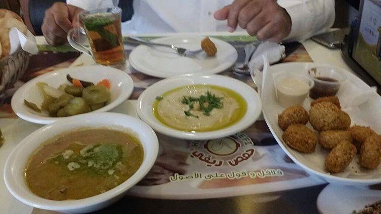 حمص ريفي في جدة السعر المنيو العنوان كافيهات جده افضل مقاهي جده