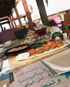 مطعم و كافيه قمرية في جدة
