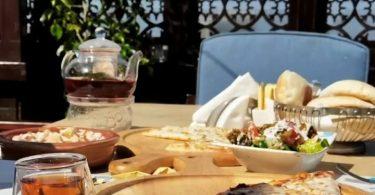 مطعم قمرية في جدة
