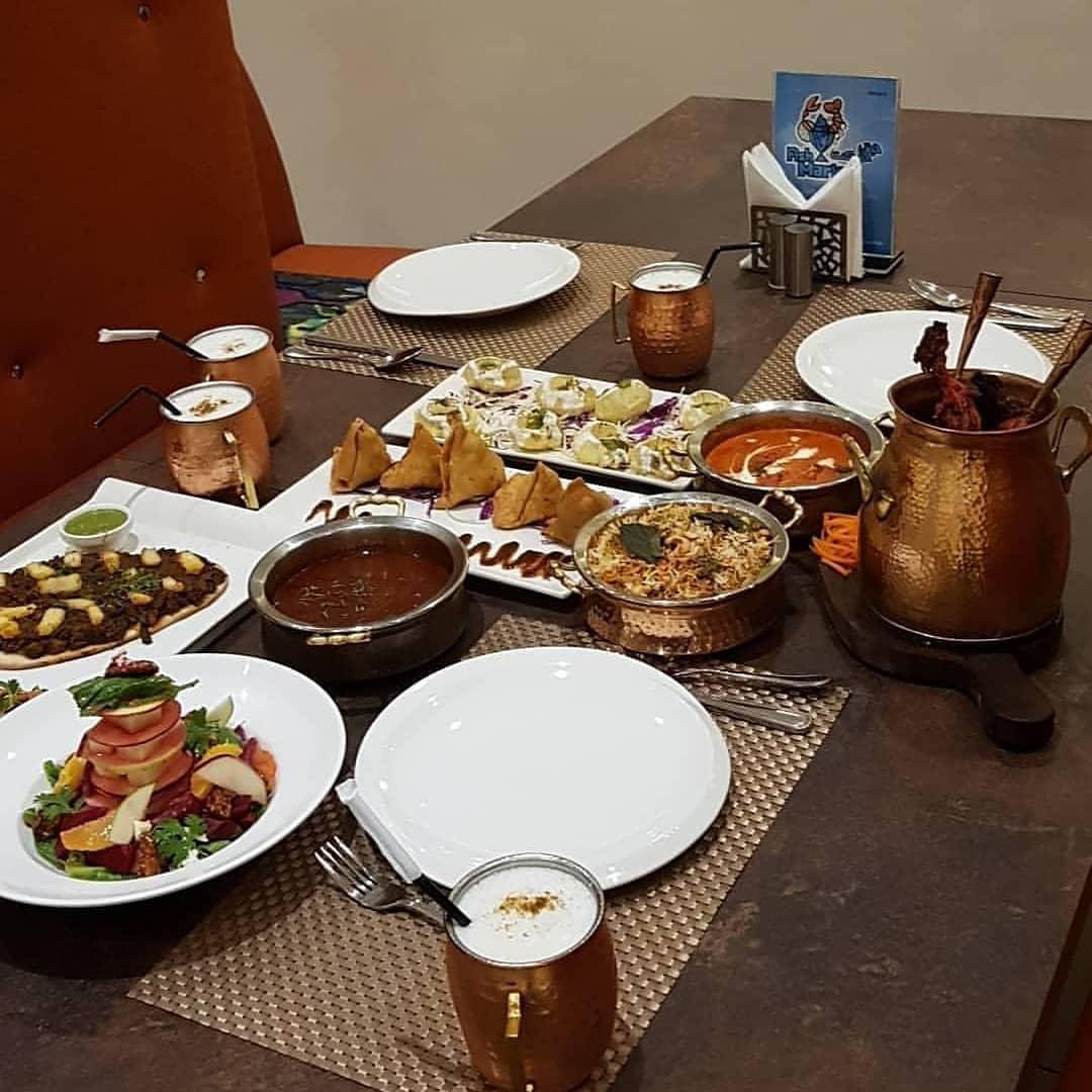 مطعم هولي الهندي في جدة