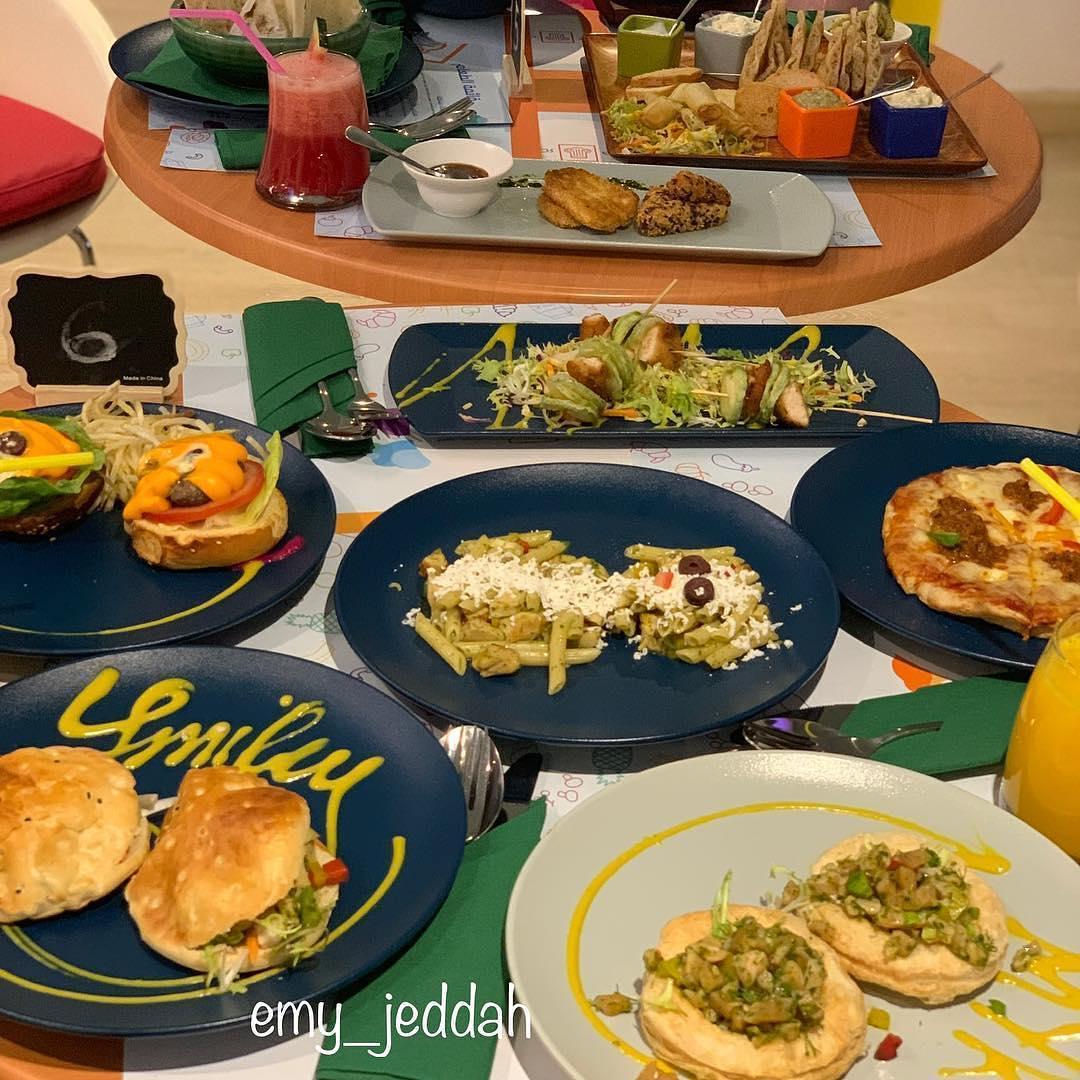 مطعم مكينوس للأطفال في جدة