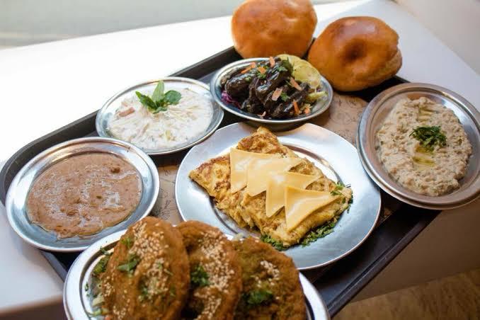 مطعم حمص وفول جدة