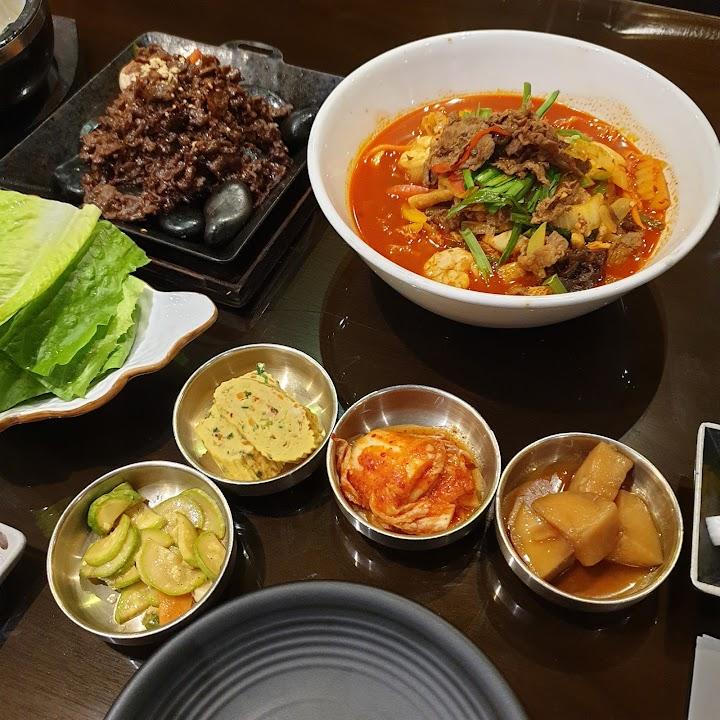 مطعم سورا الكوري جدة